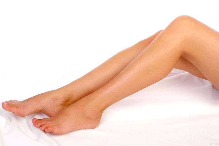 Красные пятнышки на коже ног
