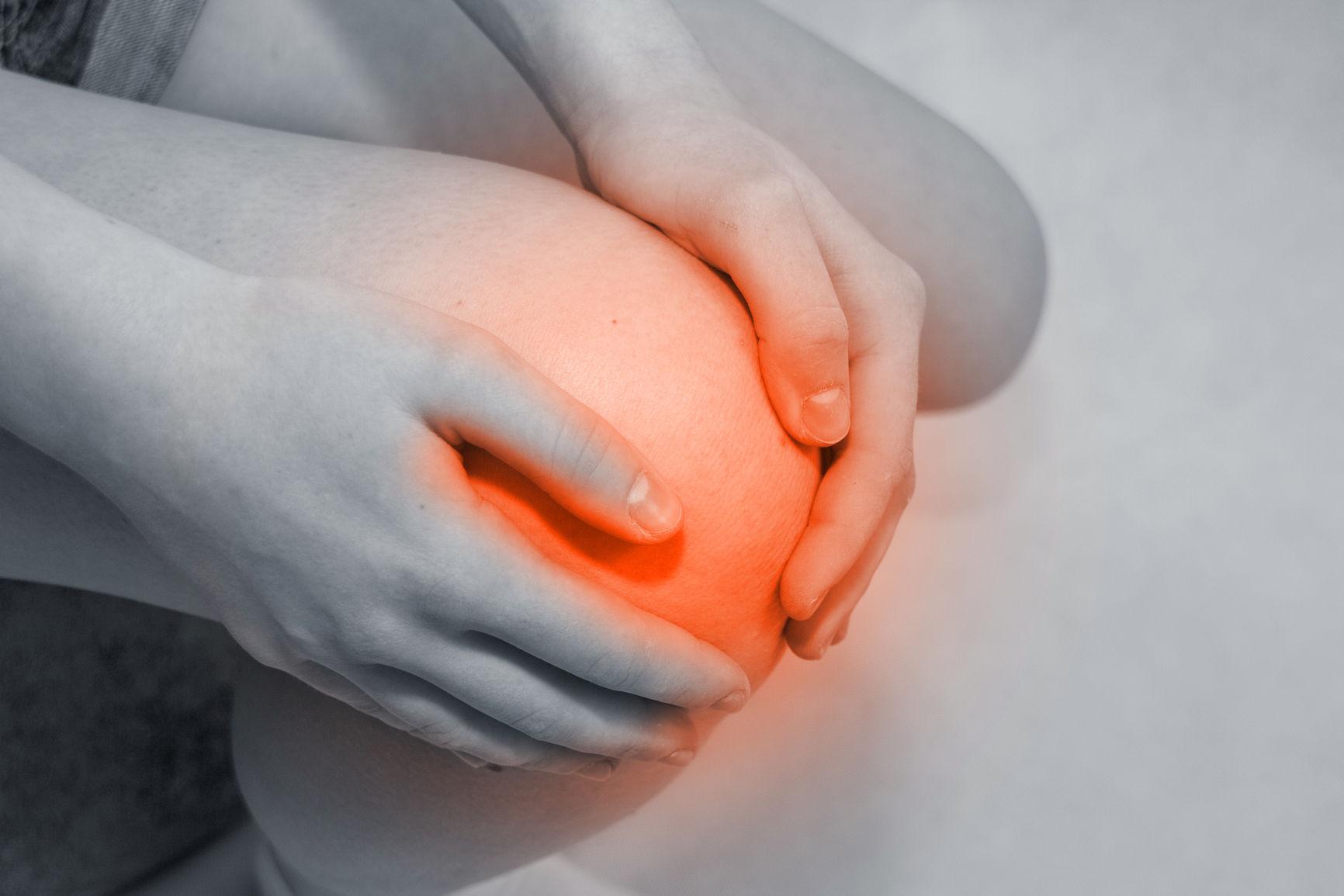 Боль при сгибе колена