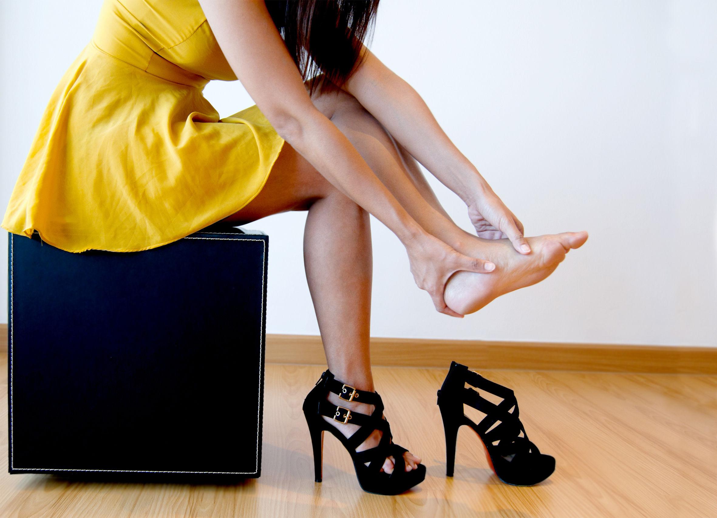 Боль после длительного ношения неудобной обуви
