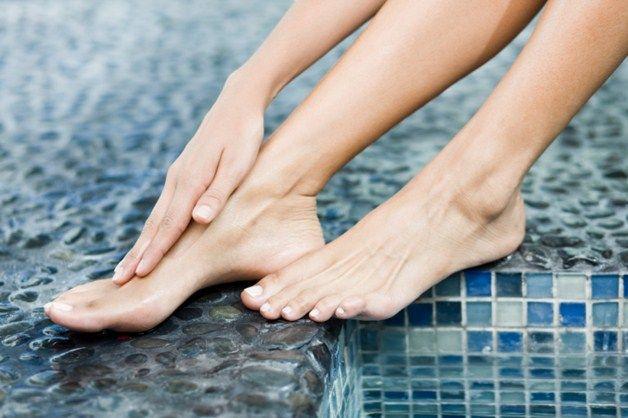 Чешется кожа ног