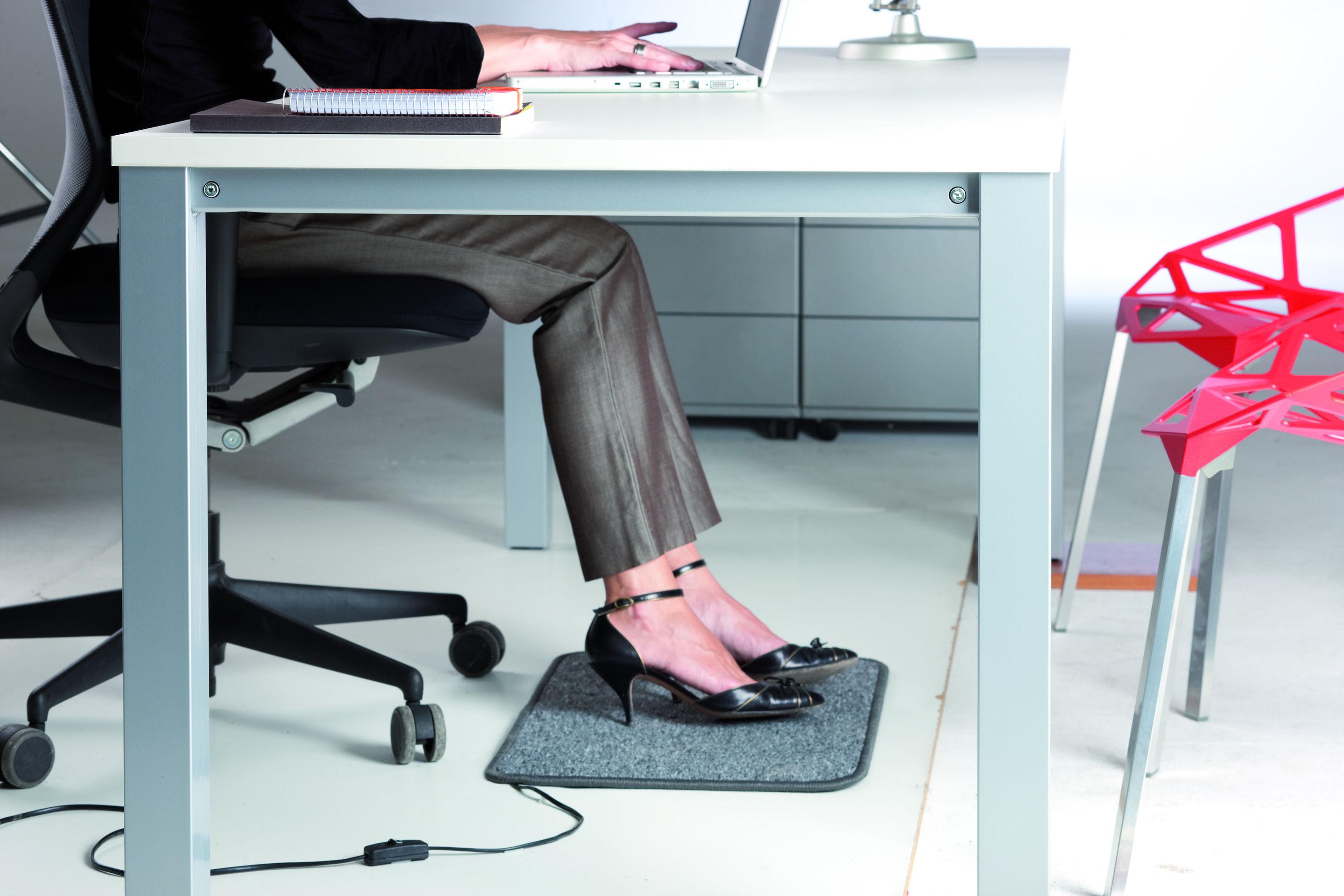 Коврик в офисе