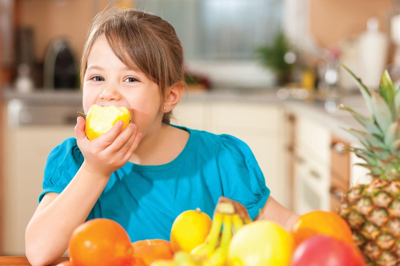 Свежие фрукты и цитрусовые